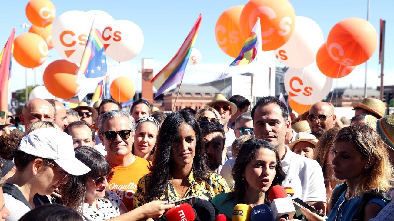 La portavoz de Ciudadanos, Inés Arrimadas, junto al líder de Cs en la Comunidad de Madrid, Ignacio Aguado, y la vicealcaldesa de Madrid, Begoña Villacís