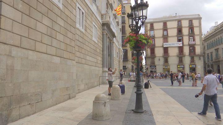 La Guardia Civil acude a la Generalitat en busca de expedientes sobre el 1-O