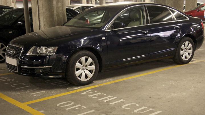 Cien altos cargos de la Comunidad de Madrid compartirán coche oficial