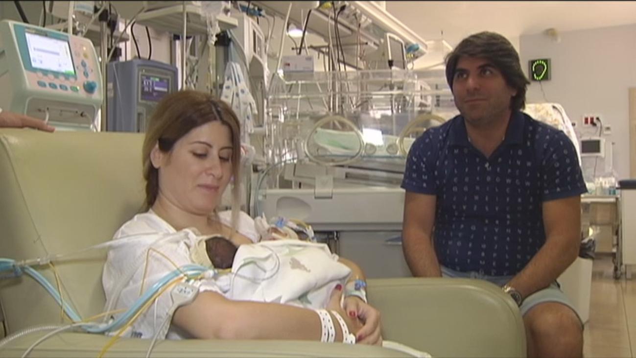 Una mujer da a luz de manera natural a trillizos en Málaga