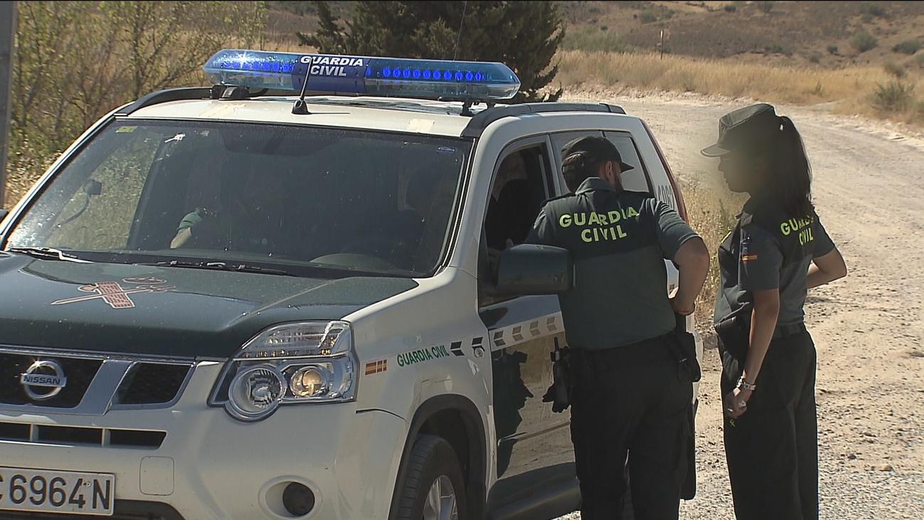 El hombre hallado muerto en El Molar falleció de una puñalada y tenía un disparo