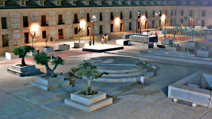 La plaza de España de San Fernando de Henares vuelve a 'brillar'