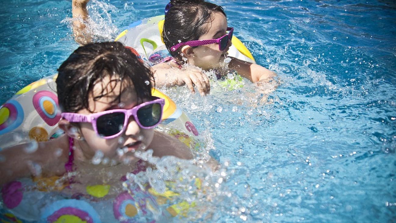 Los mejores juegos para disfrutar en la piscina