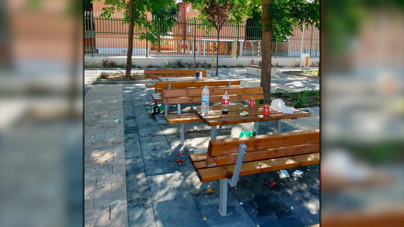 Vecinos de Alcalá de Henares protestan por vandalismo en un parque