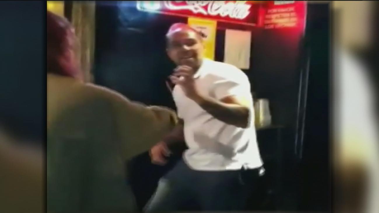 Brutal agresión de un portero de un bar a varias mujeres en La Coruña