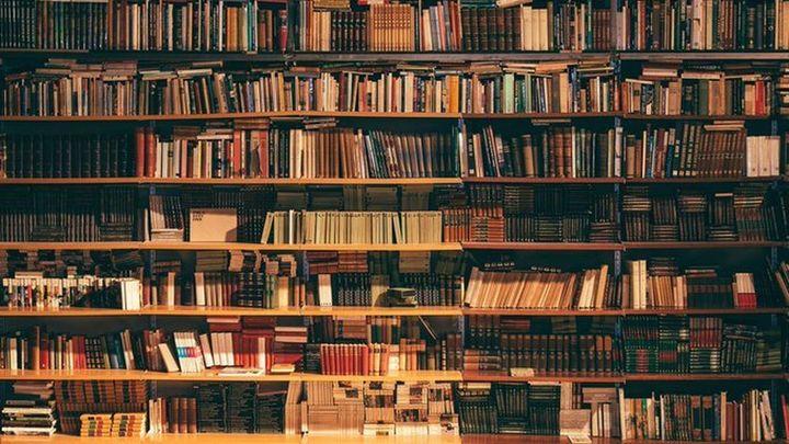 """Cientos de personas se vuelcan con la librería """"La Semillera"""" para mantenerla como negocio"""