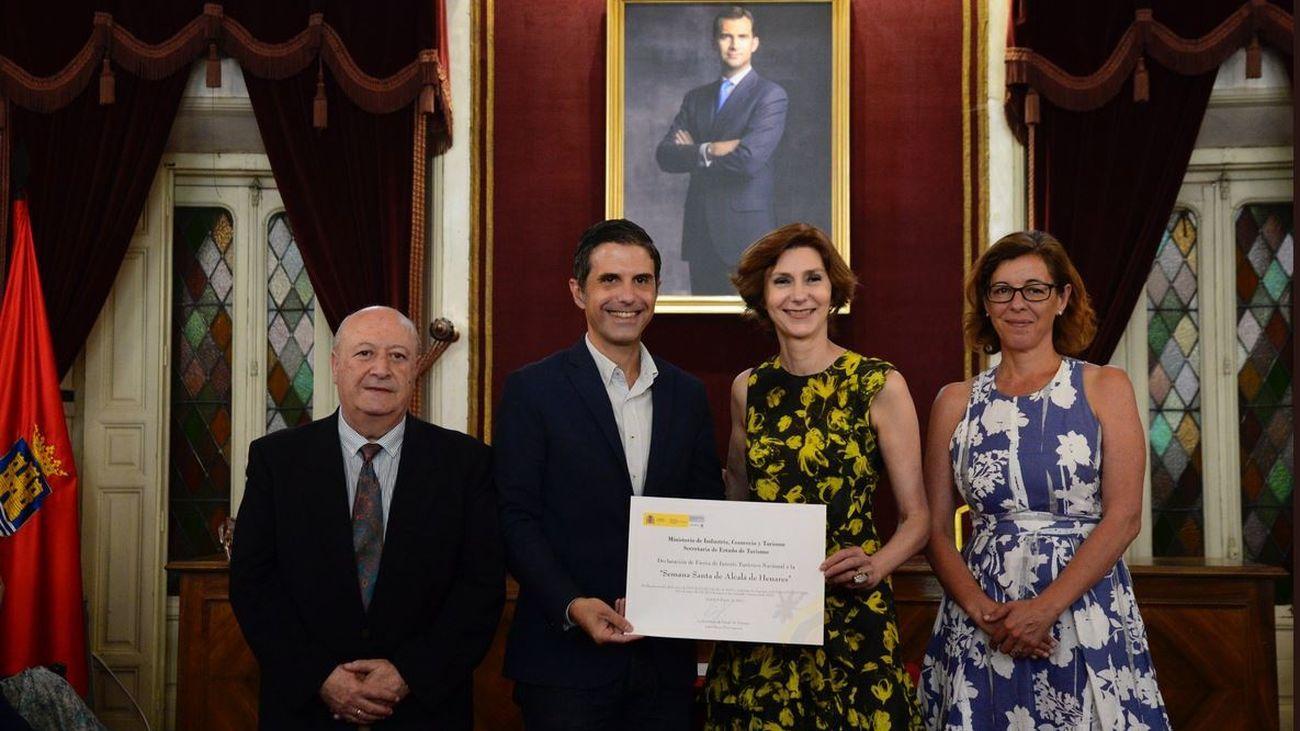 Alcalá de Henares recibe el diploma que acredita su Semana Santa como Fiesta de Interés Turístico Nacional