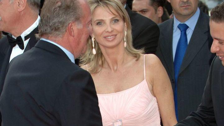 Corinna demanda al rey Juan Carlos y pide  que no pueda acercarse a 150 metros de sus residencias