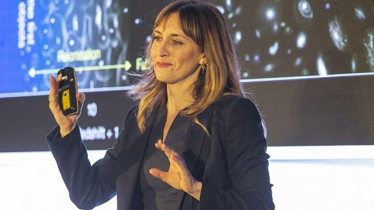Eva Villaver presenta su libro 'Las 1.000 caras de la Luna'