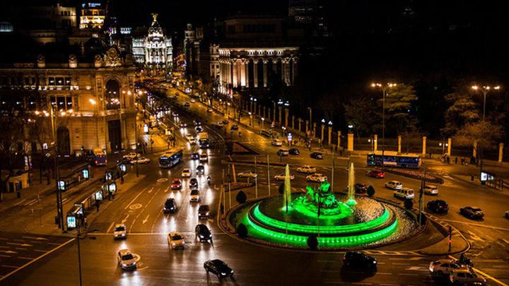 También en pleno centro de Madrid, existe otra opción para intentar ver las estrellas, aunque es un punto con bastante contaminación lumínica. Se trata del mirador del Palacio de Cibeles, en el Ayuntamiento. Desde allí tendrás unas vistas de 360 grados de toda la zona centro de la capital.