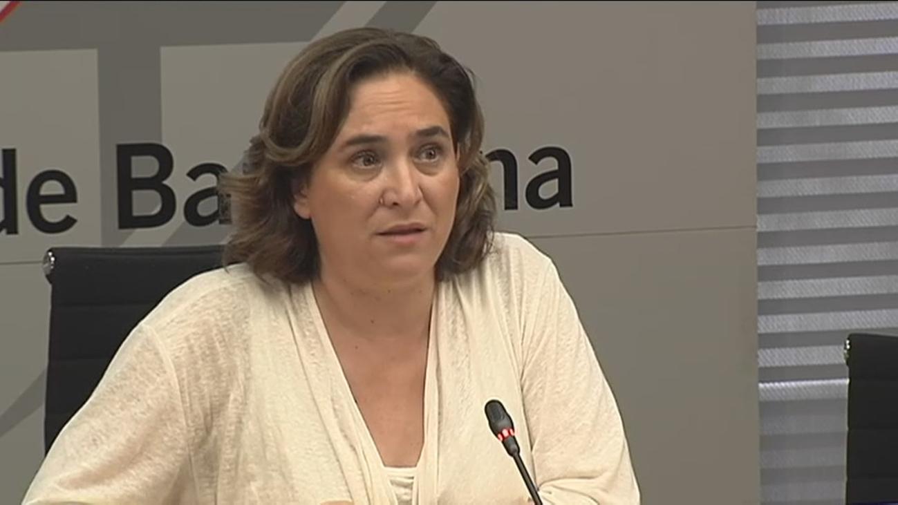 Ada Colau se plantea cobrar peaje en Barcelona para atajar la contaminación