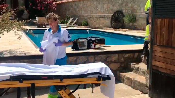 Una mujer grave tras ser rescatada de su piscina de Chapinería