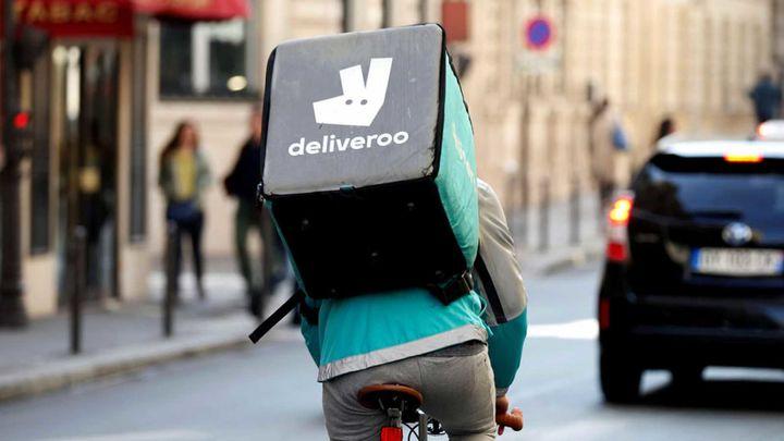 La Justicia estima que los 'riders' de Deliveroo son asalariados y no autónomos
