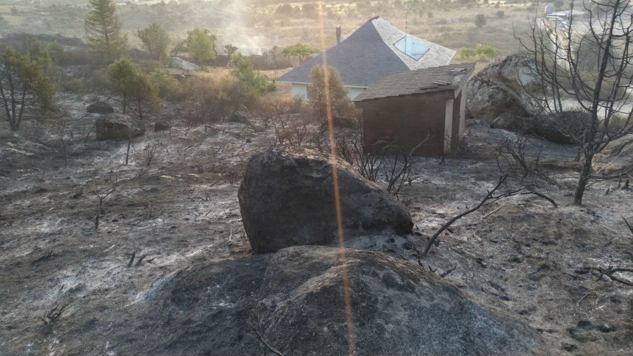 La Comunidad de Madrid baraja el impacto de un rayo como origen del fuego en El Berrueco
