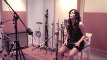 Marilia nos canta 'Entra'