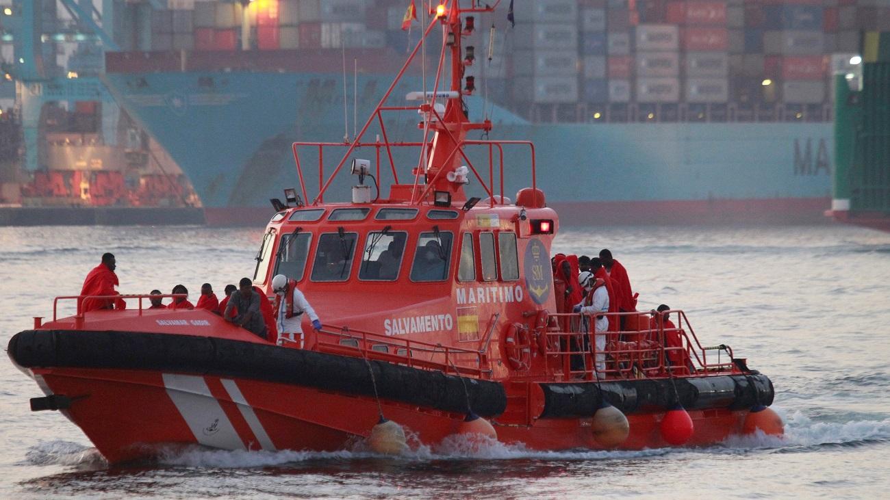 Salvamento marítimo rescata a casi 400 inmigrantes en la costas andaluzas