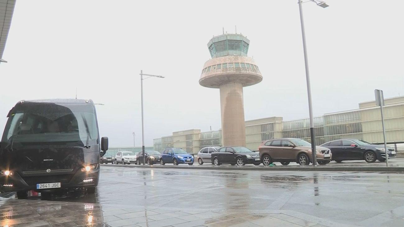 El Aeropuerto de Barcelona reabre solo para aterrizajes tras cerrar por la lluvia