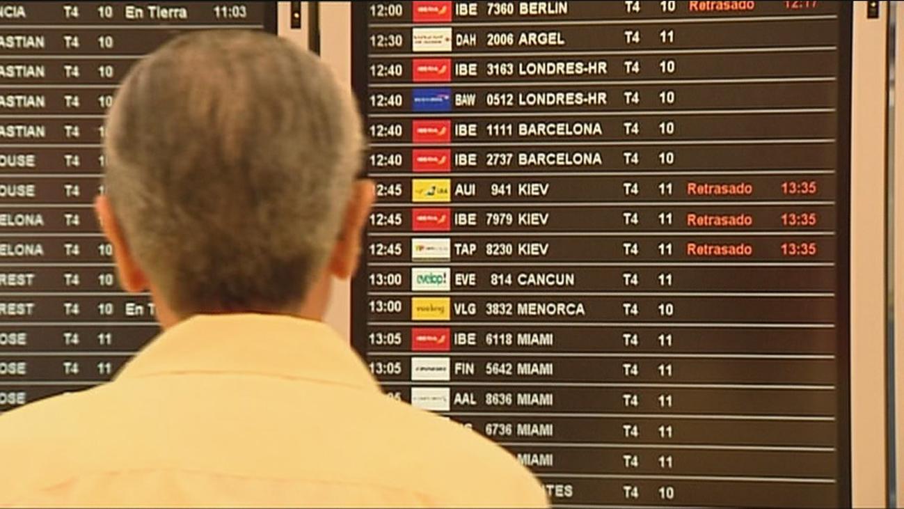 La lluvia y la huelga de personal obligan a cancelar 62 vuelos en El Prat