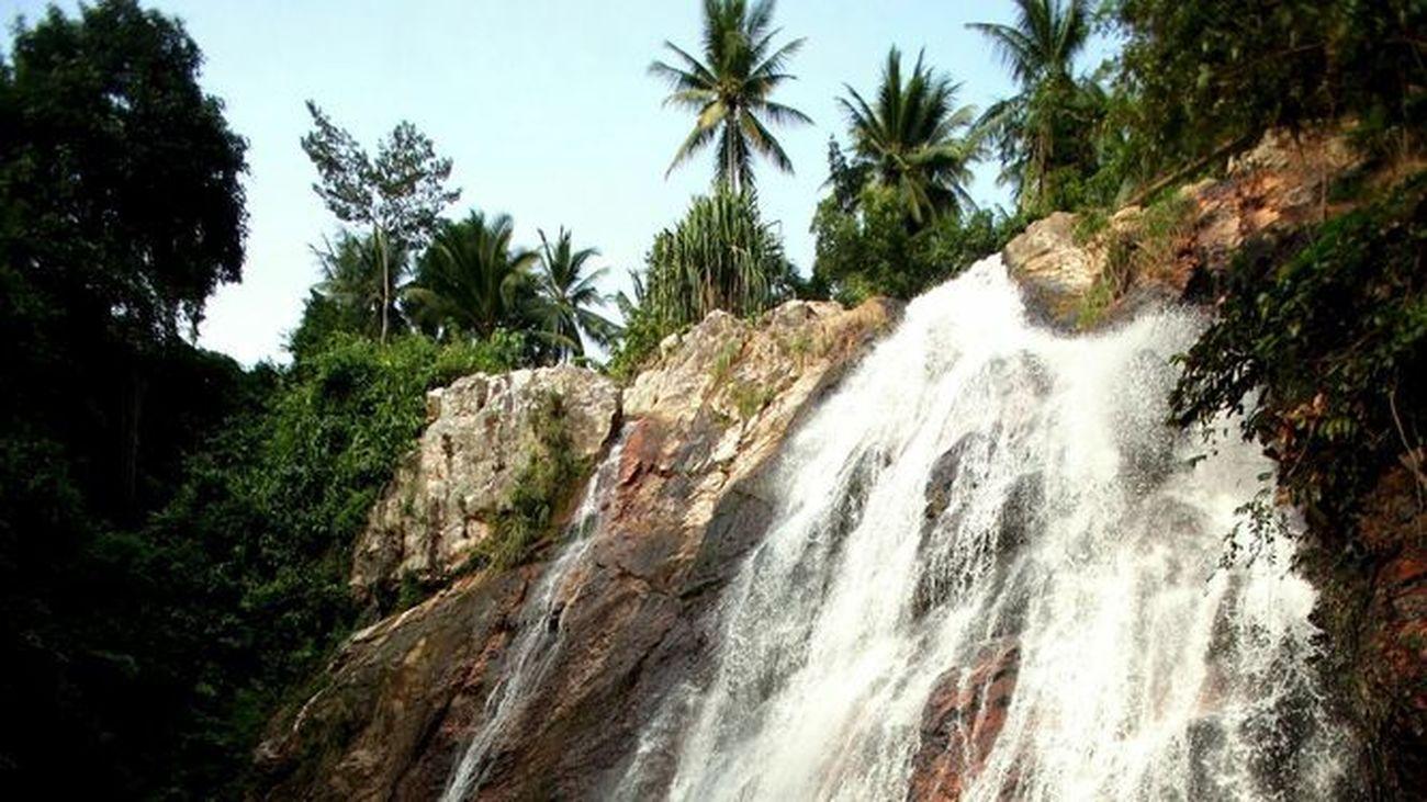 Muere un joven turista español tras caer por  una cascada en una isla del sur de Tailandia-