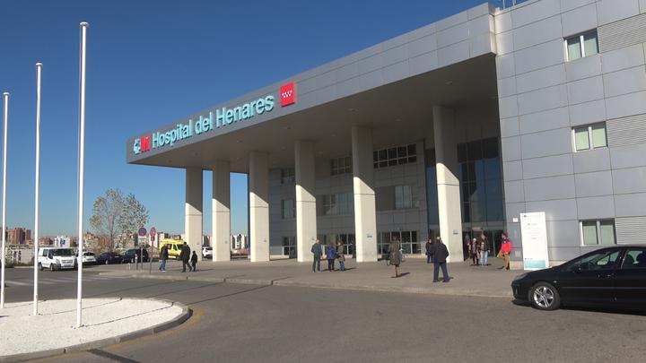 Metro lanza un servicio de taxi para traslados de personas con movilidad reducida al Hospital del Henares