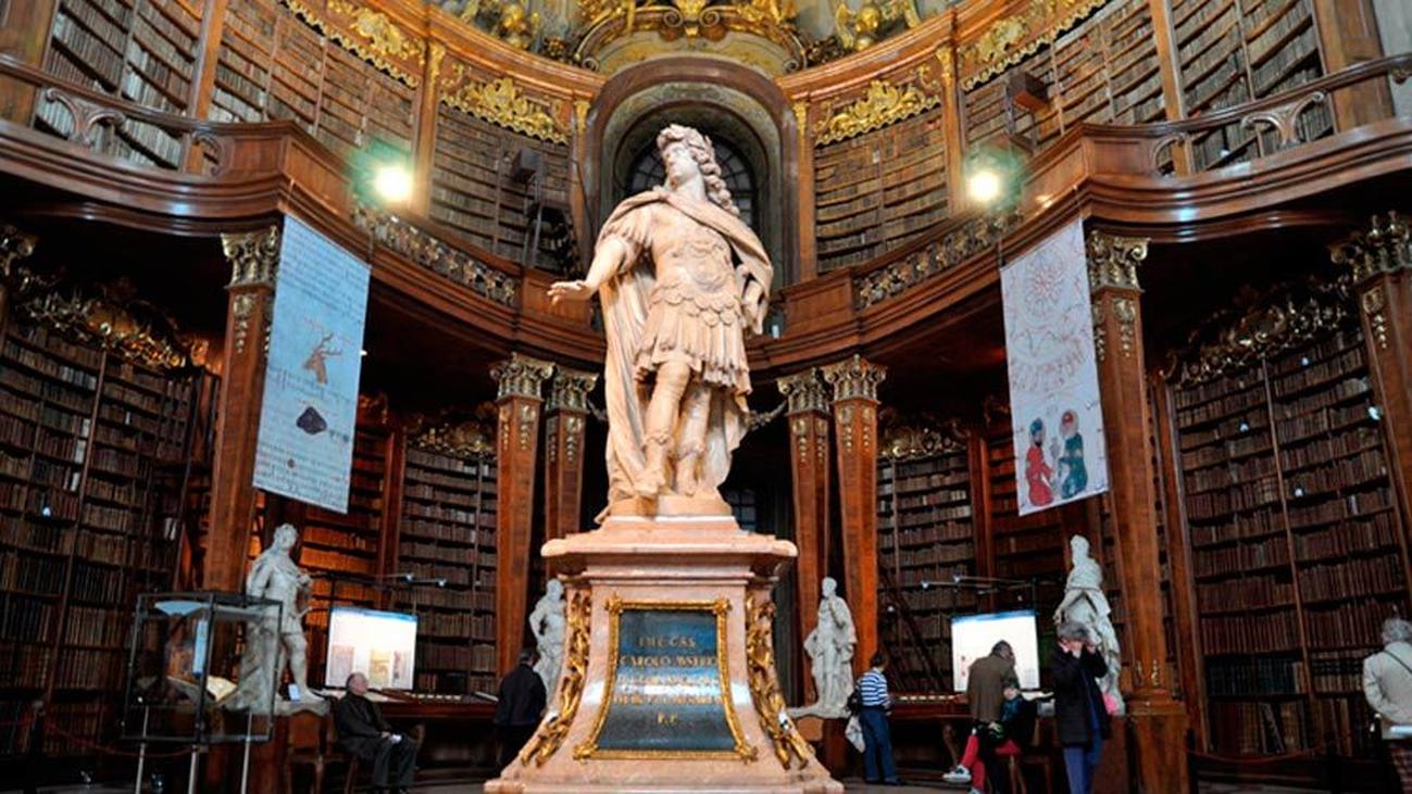 La reina Letizia inaugura dos salas de la Biblioteca Nacional