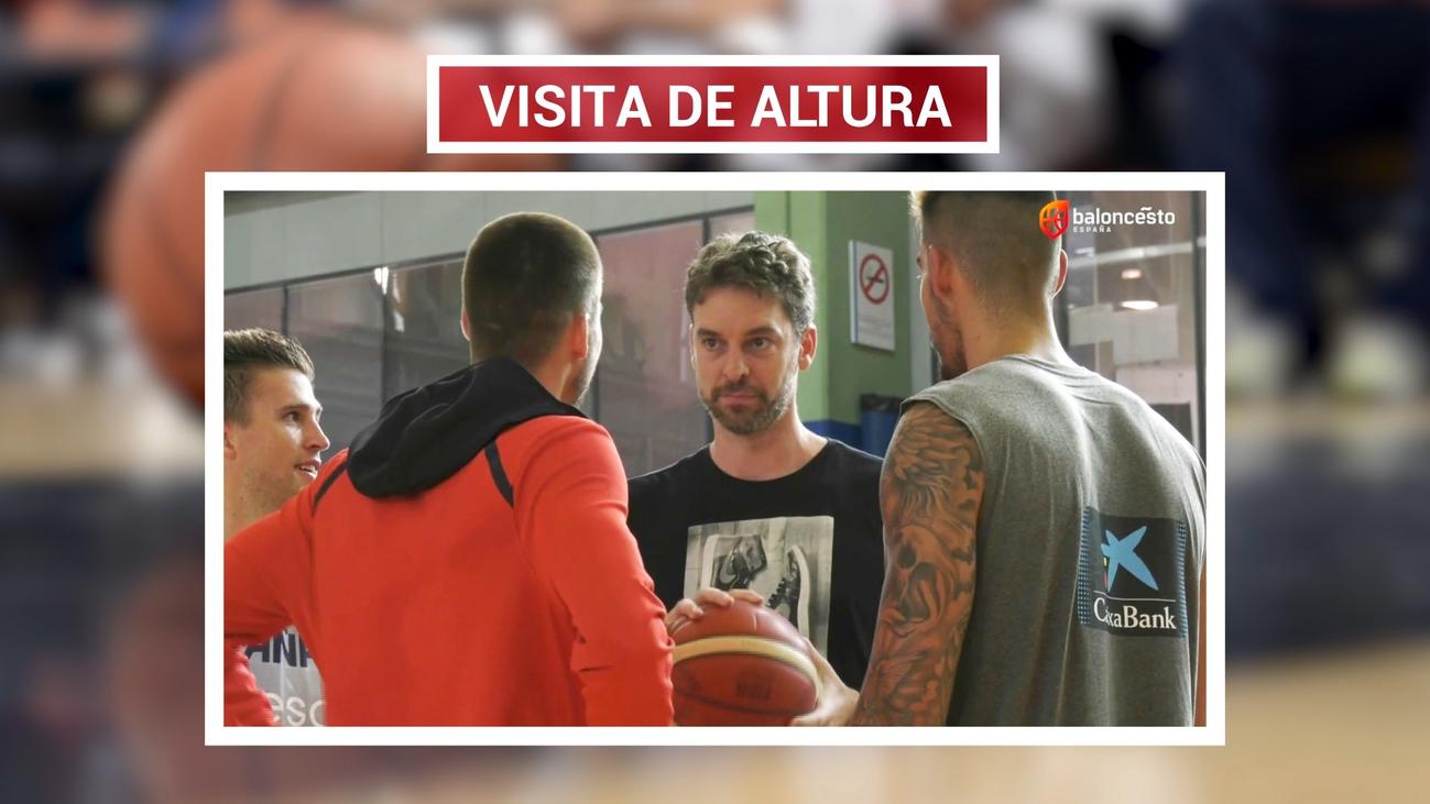 Pau Gasol visita por sorpresa a la selección para desearle suerte