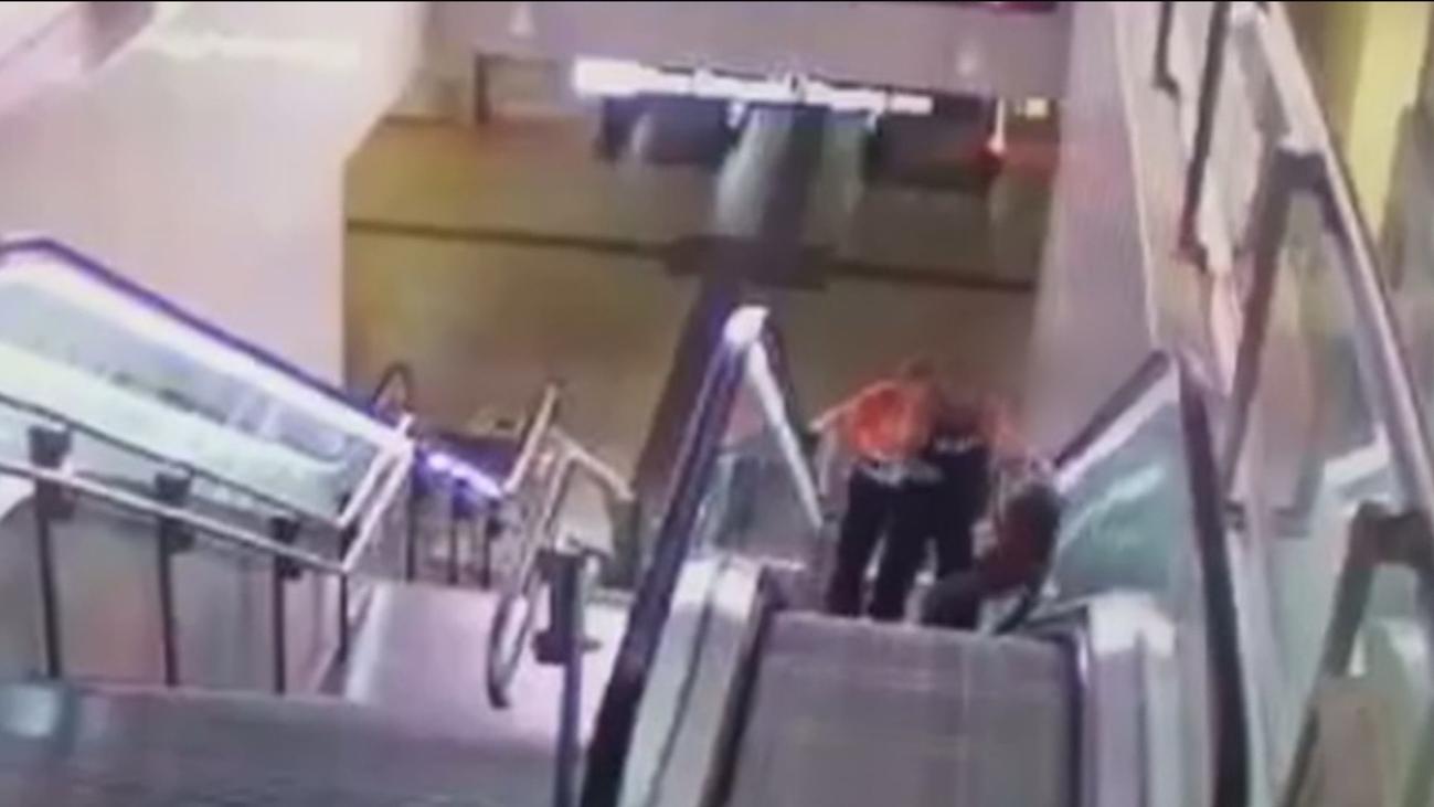 """Habla la víctima de la paliza en el metro de Avenida de América: """"Me trató como a un animal"""""""