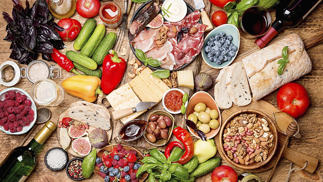 Crece en verano la cantidad de comida que tiramos a la basura
