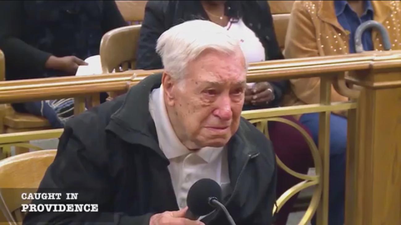 Un juez absuelve en EEUU a un anciano de 96 años por ser un buen padre