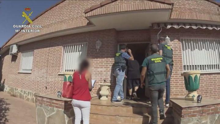 Detenida una pareja en Camarma de Esteruelas por estafar 637.000 euros vendiendo falsas viviendas