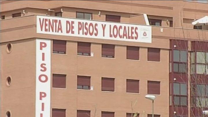 La firma de hipotecas sobre vivienda en Madrid se desploma