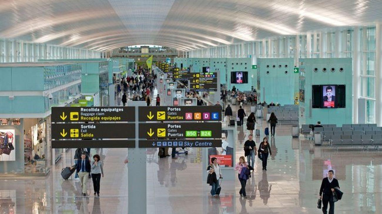 Ada Colau propone eliminar el puente aéreo entre Madrid y Barcelona a favor del tren