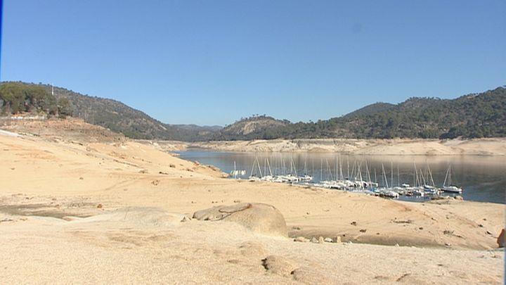 Los embalses tienen un 21% menos de agua que la media de la última década