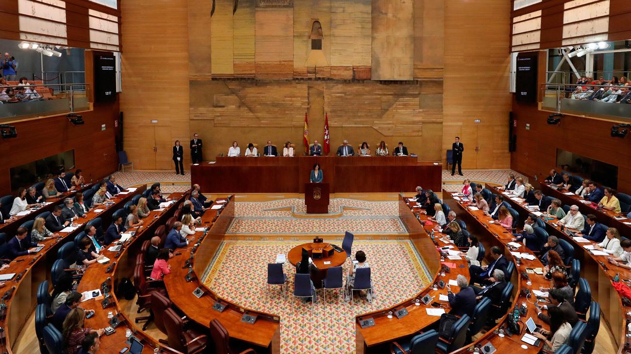 Sesión del Debate de Investidura de Isabel Díaz Ayuso en la Asamblea de Madrid