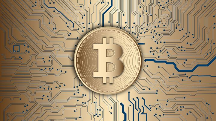 Detenidos cinco ciberdelincuentes acusados de defraudar 500.000 euros en bitcoins