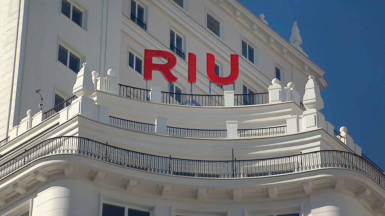 El Hotel Riu aloja a sus primeros huéspedes