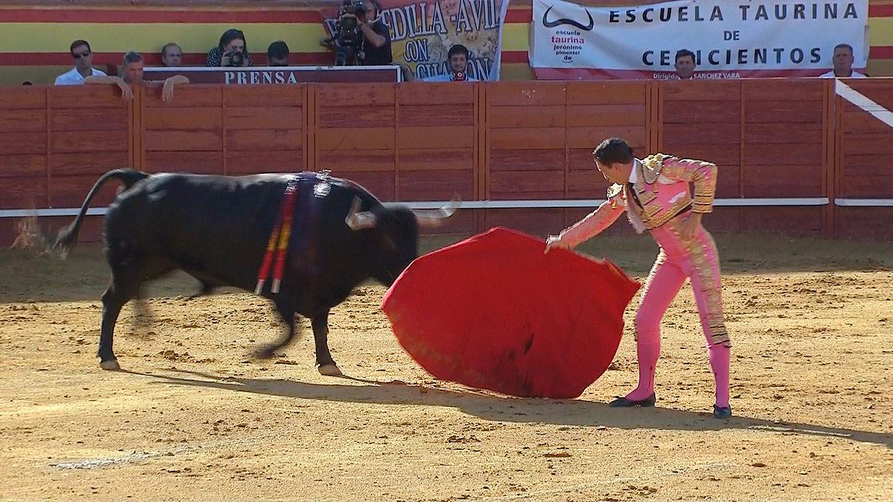 Toros en Telemadrid: Primera de la Feria de Cenicientos (1ª parte)