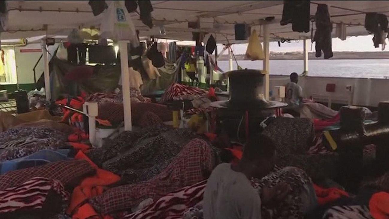 "Migrantes a bordo del ""Open Arms"""