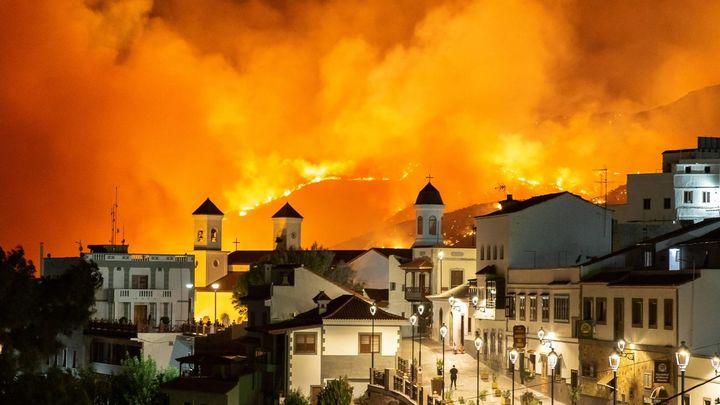 """Luis Fernando Arencibia: """"las noticias del fuego son más favorables por el cambio de las condiciones"""""""