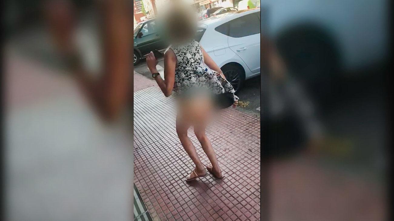 Identificada la vecina que grita, rompe cristales y orina en las calles en Alcalá
