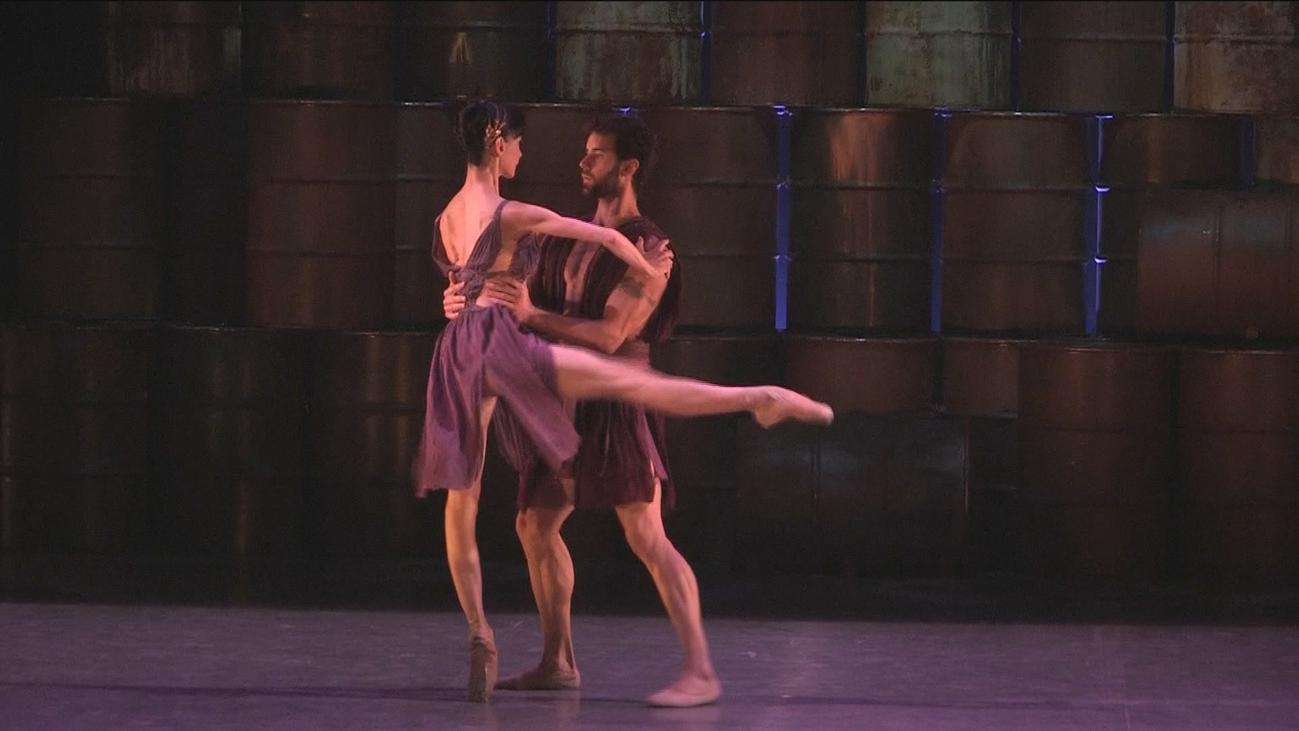 Los Teatros del Canal de Madrid bailan con Antígona
