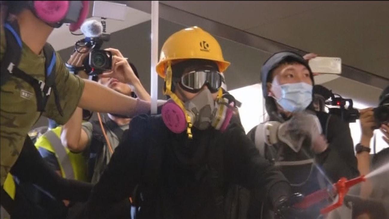 Manifestantes de Hong Kong usan Tinder o Pokemon Go en sus protestas