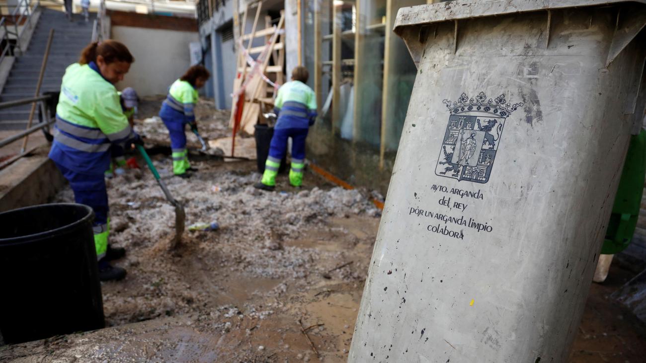 Talleres desbordados para reparar los desperfectos de la tormenta de granizo