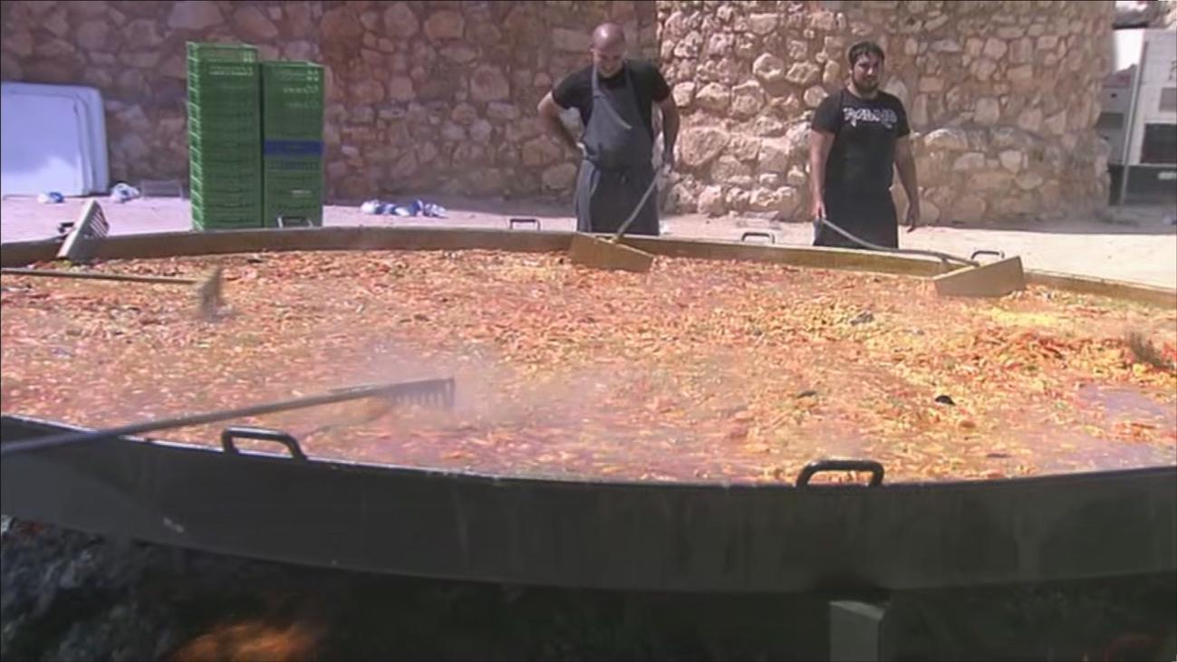Villarejo de Salvanés da comienzo a las fiestas con su tradicional paellada