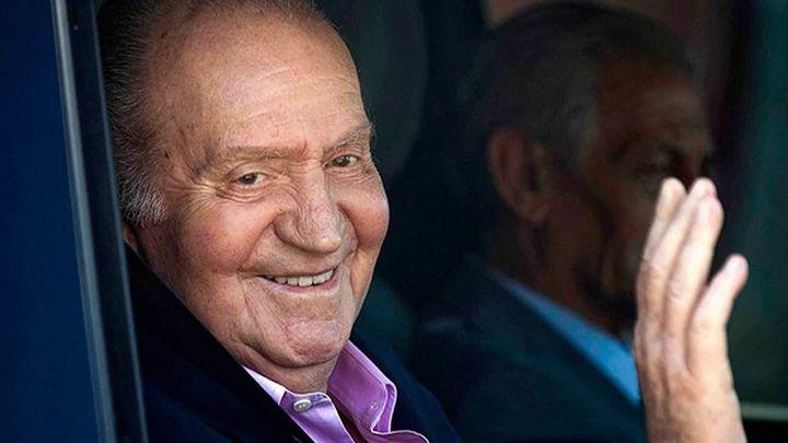 Don Juan Carlos abandona el hospital tras recibir el alta médica