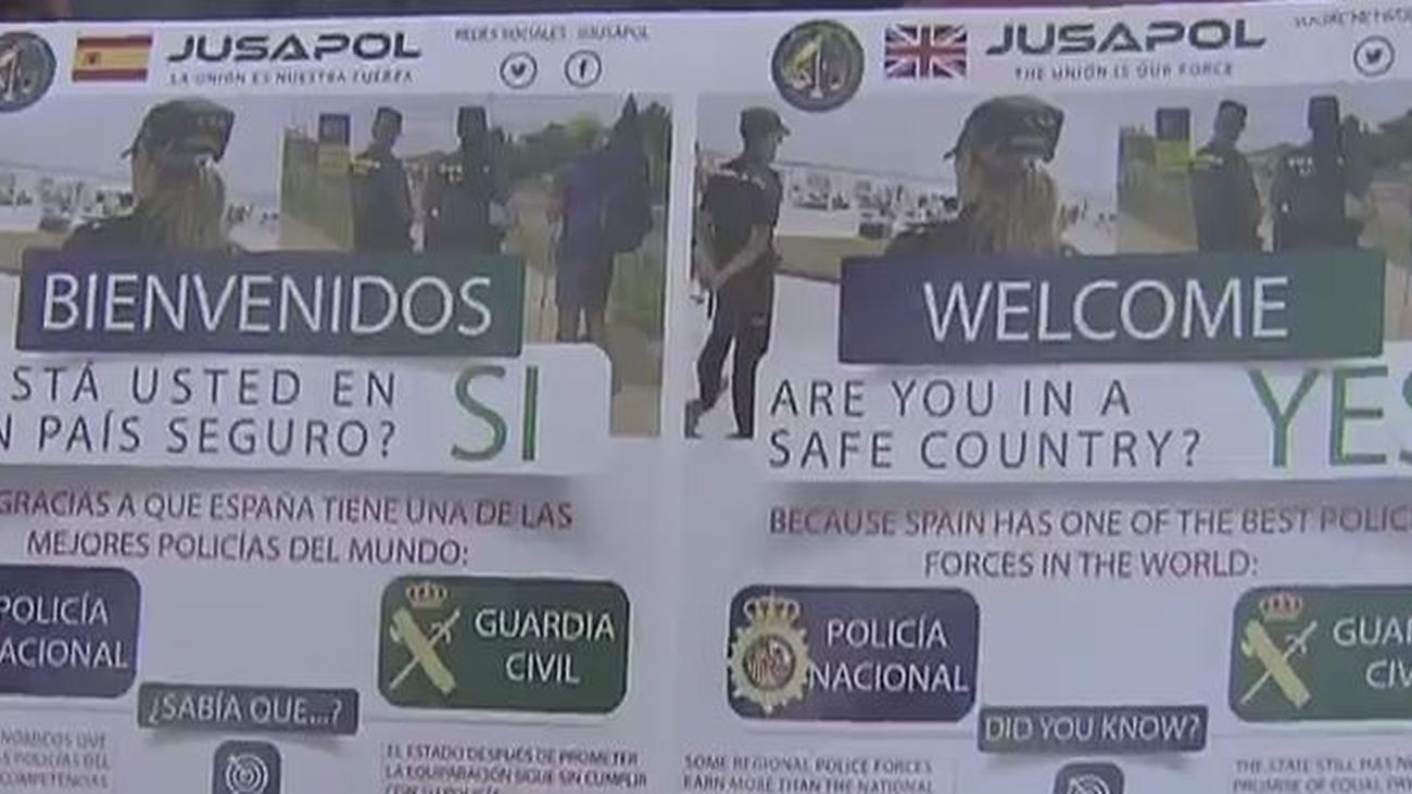 Jusapol reparte  folletos para reivindicar la seguridad en España