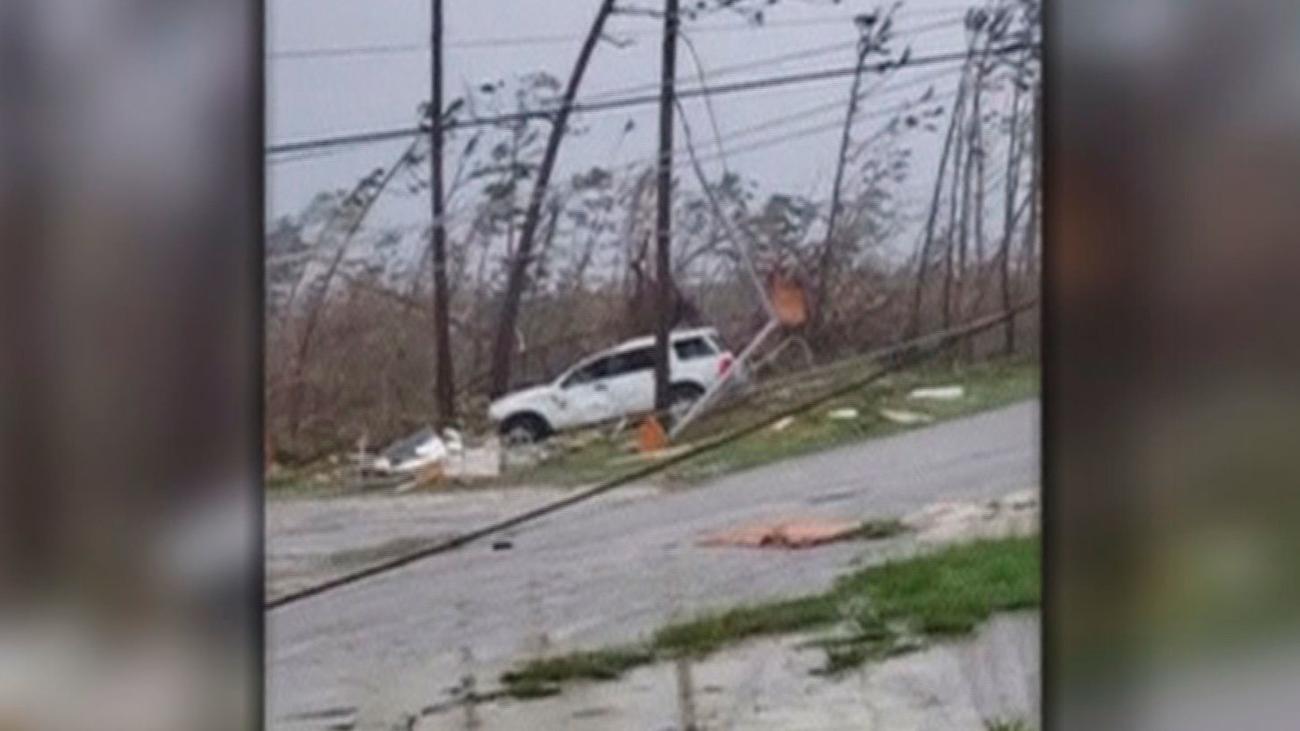 El huracán Dorian arrasa las Bahamas mientras sigue su avance hacia La Florida
