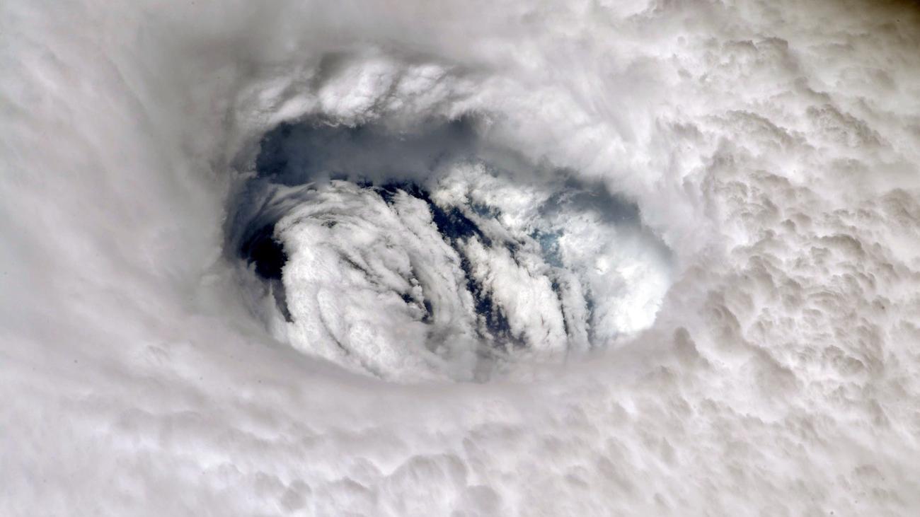 El huracán Dorian pone rumbo a la costa de EEUU tras arrasar las Bahamas