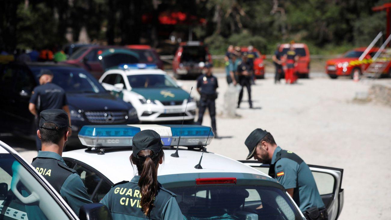 Dispositivo de la Policía Nacional y de la Guardia Civil momentos después de conocerse el hallazgo del cadáver de Blanca Fernández Ochoa