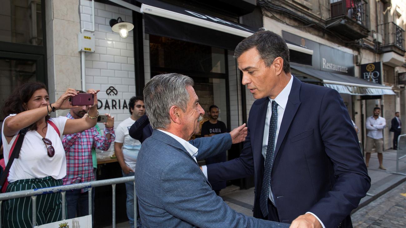 La bronca de Revilla a un hombre que insultó a Pedro Sánchez